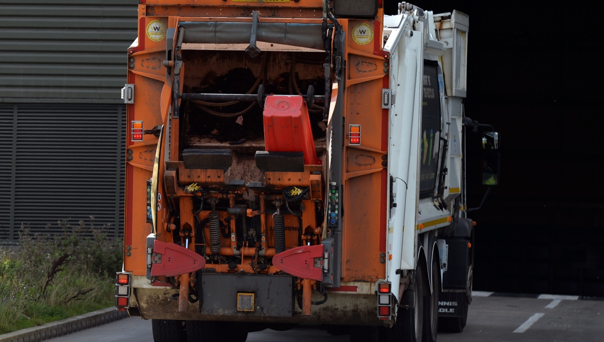 Aylesbury Vale DC Waste Collection Vehicle